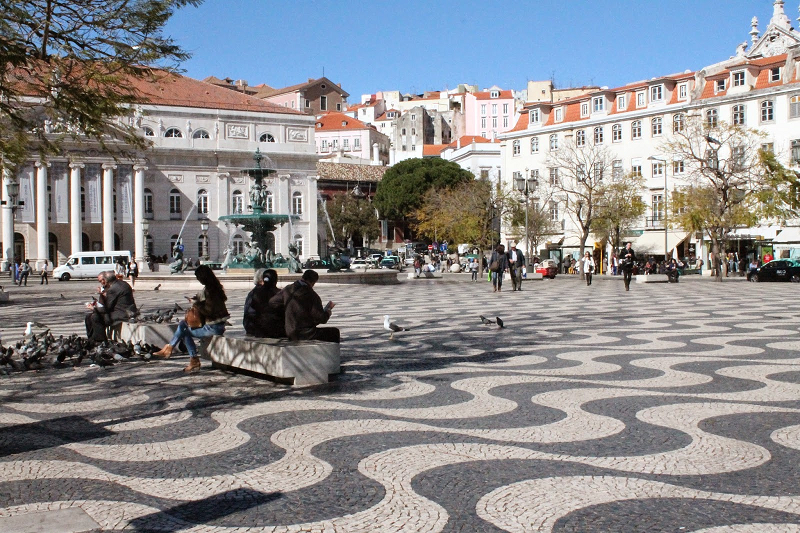 travel-to-lisbon-right-away